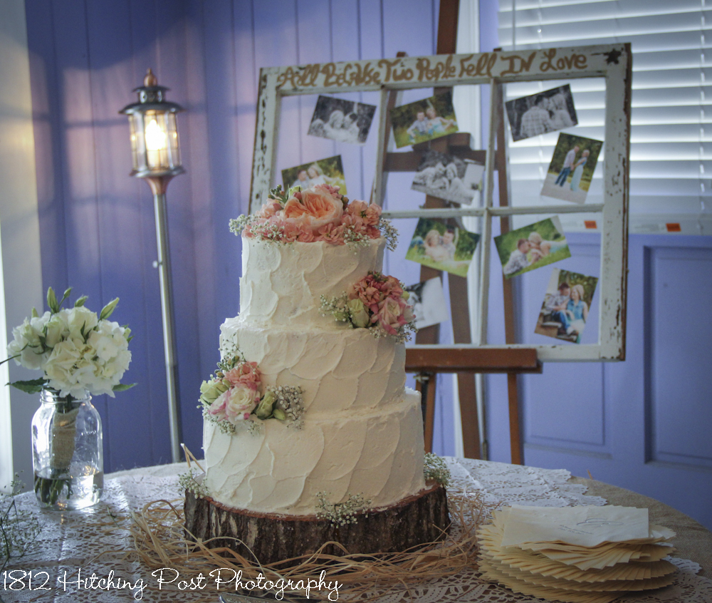 Rustic Wedding Cake: Wedding Cakes